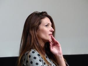 Filmemacherin Vicky Arvelaki diskutiert ihren Film